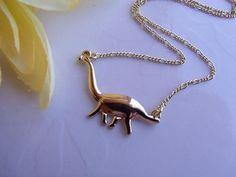 Colar Dinossauro com corrente folheada a ouro