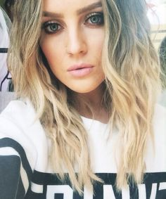 Hello I'm Perrie. I'm 19 and single. Im a singer in a group called little mix. Come say hey?