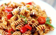 Как да приготвим най-лесната рецепта за салата с паста и сушени домати