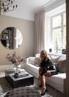 Taupe Living Room, Home Living Room, Living Area, Home Inspection, Scandinavian Home, Home Fashion, Interior Design Living Room, Interior Architecture, Sweet Home