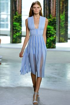 Hugo Boss - New York - Sadly a colour that doesn't suit me but thick shoulder straps are really lovely
