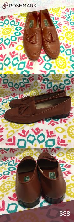 Cole Haan loafers in great condition Adorable loafers. Worn maybe once. In great condition Cole Haan Shoes Flats & Loafers