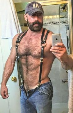 Hot Bearded Tattooed Hairy Muscular Manly Beasts, ranging in age from prime wolves to mature silver daddies NSFW. Male Pattern Baldness, Komplette Outfits, Bear Men, Hairy Chest, Mature Men, Fine Men, Hairy Men, Scruffy Men, Hairy Hunks
