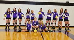 Varsity Girls Volleyball Team | Go Kodiaks Volleyball Team Pictures, Volleyball Poses, All Volleyball, Coaching Volleyball, Football Photos, Basketball Pictures, Volleyball Players, Sports Pictures, Basketball Teams