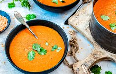 Harira – zelf maken Love Food, A Food, Food And Drink, Halloumi, Soup Recipes, Dessert Recipes, Desserts, Morrocan Food, Low Calorie Lunches