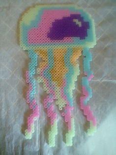 Jellyfish Perler Beads by PlaidRed on DeviantArt Perler Bead Designs, Perler Bead Templates, Hama Beads Design, Diy Perler Beads, Perler Bead Art, Melty Bead Patterns, Pearler Bead Patterns, Perler Patterns, Beading Patterns