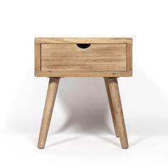 laissez vous charmer par cette table de chevet aux allures scandinaves completement dans l
