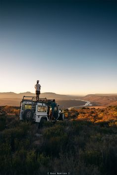 rossnortier:  More 4x4 adventures. that view though!Saintkwality standing on the roof.
