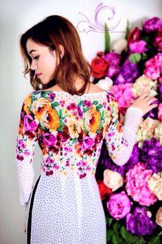 Floral Vietnamese dress ao dai