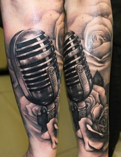 Realistic black and gray Music tattoo by Riccardo Cassese Post 7895 World Tattoo Gallery Best place to Tattoo Arts Mic Tattoo, Microphone Tattoo, Girly Tattoos, Rose Tattoos, Art Tattoos, Tattoos For Women, Tattoos For Guys, World Tattoo, Realism Tattoo