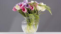 Pomocí umělých květin značky SIA lze vykouzlit překrásnou kytici, která Vám vydrží. Umělé květiny naleznete v našem obchodu s doplňky v Plzni. Těšíme se na návštěvu