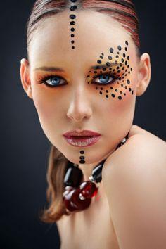 Make up for carnival: 76 inspiring examples of the perfect carnival look, make up carnival ideas make up carnival. Maquillage Halloween, Halloween Face Makeup, Beauty Makeup, Eye Makeup, Makeup Geek, Hair Makeup, Tribal Makeup, Extreme Makeup, Fantasy Make Up