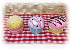 kako-MG5h07gRa2o95H46 Felt Crafts, Desserts, Kuchen, Tailgate Desserts, Deserts, Postres, Dessert, Felting, Plated Desserts