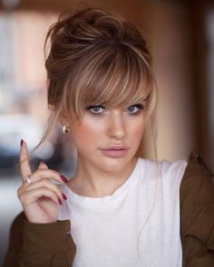 wedding hairstyles with bangs 40 Bangs Hairstyles You Need to Try Ideas 24 Style Female Wedding Hairstyles For Medium Hair, Bob Hairstyles, Bangs Hairstyle, Hairstyle Ideas, Braided Hairstyles, Side Fringe Hairstyles, Wedding Hair Bangs, Female Hairstyles, Casual Hairstyles