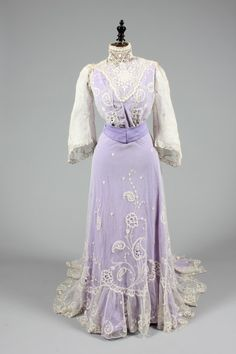 Summer or wedding dress ca. 1910. From Kerry Taylor Auctions