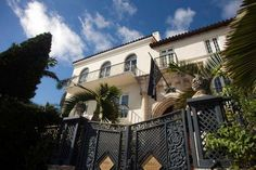 Versace mansion sold