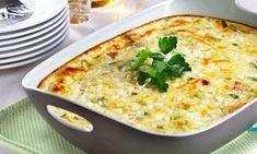 Skinkegrateng er enkel og sunn middag. Den gjør seg nesten selv i ovnen.Kilde: Opplysningskontoret for egg og kjøtt. Foto: Mari Svenningsen