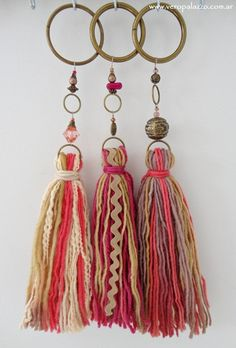 Tassels with ribbons Diy Tassel, Tassel Jewelry, Tassels, Tassles Diy, Jewellery, Yarn Crafts, Diy And Crafts, Arts And Crafts, Diy Laine