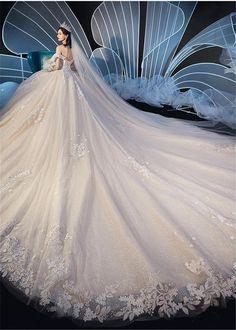 Puffy Wedding Dresses, Plain Wedding Dress, Stunning Wedding Dresses, Dream Wedding Dresses, Bridal Dresses, Wedding Gowns, Elegant Gowns, Pretty Quinceanera Dresses, Pretty Dresses