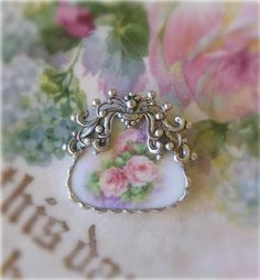 adorable broken china 'purse' brooch ♥♥♥ (via Beautiful things I love ❦) Silverware Jewelry, Glass Jewelry, Beaded Jewelry, Handmade Jewelry, Jewlery, Recycled Jewelry, Jewellery Box, Recycled Glass, Earrings Handmade