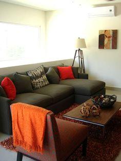 Sofá en gris y naranja