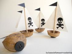 What do the pirates themselves look like? Pirate Day, Pirate Birthday, Pirate Theme, Boy Birthday, Birthday Parties, Decoration Pirate, Diy For Kids, Crafts For Kids, Diy And Crafts
