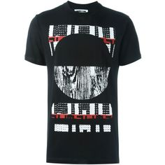 McQ Alexander McQueen Tribal print T-shirt (495 BRL) ❤ liked on Polyvore featuring men's fashion, men's clothing, men's shirts, men's t-shirts, black, mens cotton t shirts, mens tribal shirts, mens short sleeve t shirts, mens straight hem shirts and mens short sleeve cotton shirts