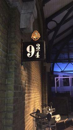 70 Trendy wallpaper iphone harry potter always hogwarts - Phone Wallpaper Harry Potter Tumblr, Images Harry Potter, Harry Potter Universal, Harry Potter Fandom, Harry Potter Hogwarts, Harry Potter World, Harry Potter Lock Screen, Hogwarts Library, Harry Potter Shop