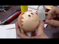 Mulher.com - 01/08/2016 - Boneco em E.V.A - Rosemary Ansante PT1 - YouTube Eva Youtube, Bible Activities, Butterfly Crafts, Doll Hair, Piggy Bank, Projects To Try, Dolls, Handmade, Valentino