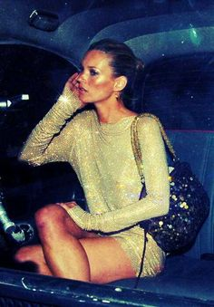 Kate Moss sparkles in sequins all over and it doesn't look too much. I guess because she is Kate Moss.