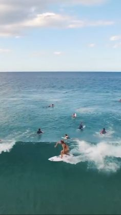 Coco Ho surfing small waves in Coolangatta, Gold Coast and more. surfing edit filmed in No Wave, Surf Van, Surf Mode, Coco Ho, Wind Surf, Surfing Videos, Surfing Pictures, Beach Aesthetic, Surf Style