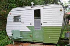 Adorable 1959 vintage Layton 13ft canned ham travel trailer with clear title! A great small runabout this fall! Feel free to email or call at the number listed for more information. Call 608-214-4408