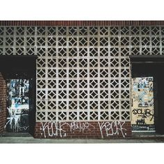 """Williamsburg. #nyc #brooklyn #williamsburg #williamsburgbrooklyn #streetart #streetartandgraffiti"" Photo taken by @a_mixtape_in_photographs on Instagram, pinned via the InstaPin iOS App! http://www.instapinapp.com (11/24/2015)"