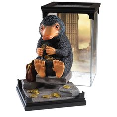 The Noble Collection Fantastic Beasts Magical Creatures: Niffler Décoration Harry Potter, Harry Potter Jewelry, Harry Potter Drawings, Noble Collection Harry Potter, Statues, Beast Creature, Desenhos Harry Potter, Fantastic Beasts And Where, Magical Creatures