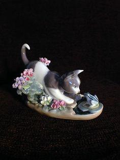 Wonderful Lladro Kitty Confrontation Figurine #1442 (1983)