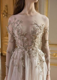 """Reverie: Paolo Sebastian's Autumn/Winter Collection Strapless fairytale pale rose wedding gown with leafy motifs reminiscent of creeping ivy // We're lost in reverie looking at Paolo Sebastian's Autumn/Winter """"Reverie"""" collection which Pretty Dresses, Beautiful Dresses, Prom Dresses, Formal Dresses, Wedding Dresses, Evening Dresses, Paolo Sebastian, Fantasy Gowns, Fairytale Dress"""