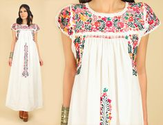 ViNtAgE 60's Floral Oaxacan Mexican Embroidered Maxi Dress White Cotton Handmade Artisan 70's Hippie BoHo Wedding Small S
