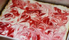 Low fat cheesecake swirled with strawberry jam on graham cracker crust. I was experimenting with cheesecake and fat-free Greek yogurt this week with fabulous re Low Fat Cheesecake, Strawberry Swirl Cheesecake, Cheesecake Recipes, Strawberry Jam, Skinny Cheesecake, Cheesecake Bars, Skinny Recipes, Ww Recipes, Dessert Recipes