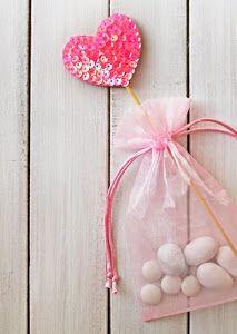 Cómo hacer un corazón con lentejuelas. Puede ser usado como souvenir, regalo de cumpleaños, adornos para dormitorios, ... ¡Un corazón multiuso! <3