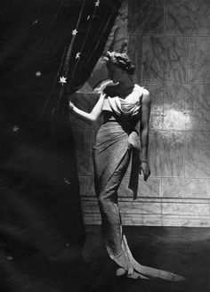 Vogue September 1935 - photo by Horst    Gown by Jean Patou / Conde Nast Archive