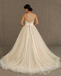 Fabulosos vestidos de novia   Colección Veluz Reyes