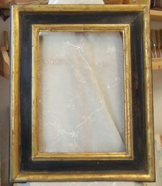 BASIC LEVEL WATER GILDING - Reproduction of ancient casetta frame, gilt with fine gold leaf and bole lacquered frame