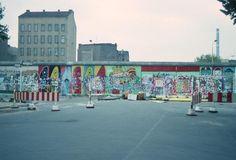 a2078Kreuzberger Perspektiven. Köpenicker Straße Ecke Bethaniendamm, 1988.