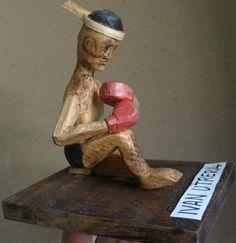 peleador de muay thai madera