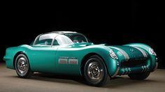 Pontiac Bonneville Special Concept de 1954 by Harley J. Earl, en color verde esmeralda. Motor L8 de 4400 cc y 230 CV. Solo se fabricaron dos unidades y este es el primero.