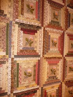 France-Patchwork Charente log cabin with large center Patchwork Log Cabin, Log Cabin Quilts, Quilting Tutorials, Quilting Projects, Quilting Designs, Scrappy Quilts, Baby Quilts, Édredons Cabin Log, Log Cabins