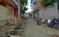 TRABAJOS EN CONSTRUCCIÓN DE BORDILLOS, CUENTAS Y ACERAS CALLEJÓN LA MERCED.