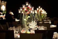 Centro de mesa candelabro de forja para un evento en Barcelona   Candelabro de hierro alto con un centro de rosas y fruta con caidas de verdes para un evento en Mallorca #lafloreria #centrosflorales #eventos #candelabros #candelabras #eventosbarcelona #empresa #events #floryfrutra #eventscompany ♥ ♥ La Floreria ♥ ♥ para descubrir nuestras creaciones visita la web: www.lafloreria.net/ ♥ La Florería   Decoración evento de empresa cena de gala
