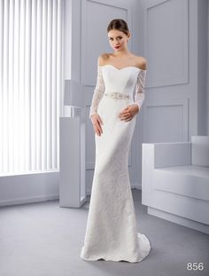 Unusual sheath wedding dress for 330 € with free shipping!