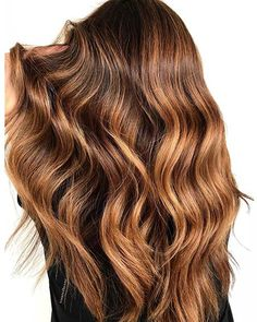 43 Most Beautiful Strawberry Blonde Hair Color Ideas – StayGlam - Page 2 Red Hair With Blonde Highlights, Red Ombre Hair, Dark Red Hair, Brown Blonde Hair, Hair Color Dark, Blonde Color, Dark Strawberry Blonde Hair, Strawberry Hair, Gorgeous Hair Color